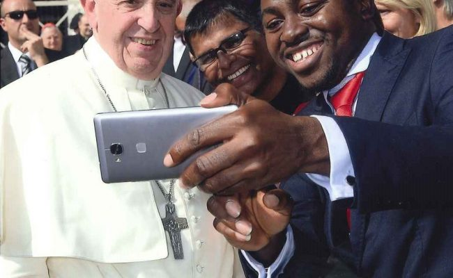 selfie-with-the-pope-1